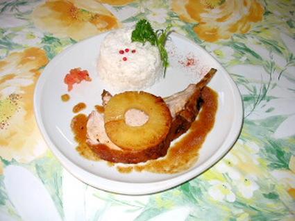 Recette de carré de porc poêlé à l'ananas et riz coco