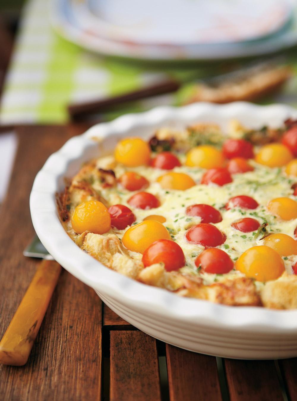 Quiche au pain et aux tomates cerises | ricardo