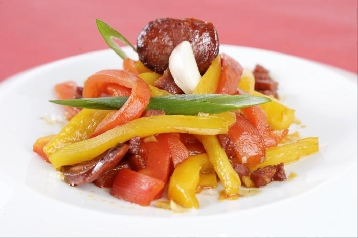 Recette de fricassée de poivrons en marinade à l'ail facile et rapide