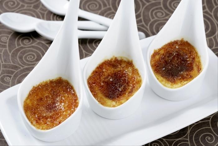 Recette de crème brûlée à la réglisse facile et rapide