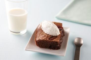 Recette de brownie moelleux au chocolat et noix de pecan, chantilly ...