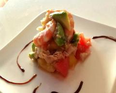 Recette salade fraîcheur aux tomates, avocat et crevettes