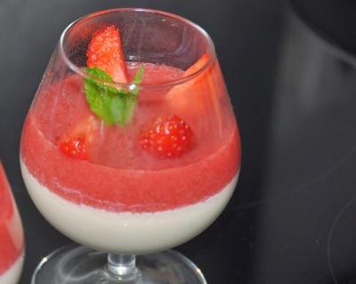 Recette crème vanillée et son coulis de fraises mentholées