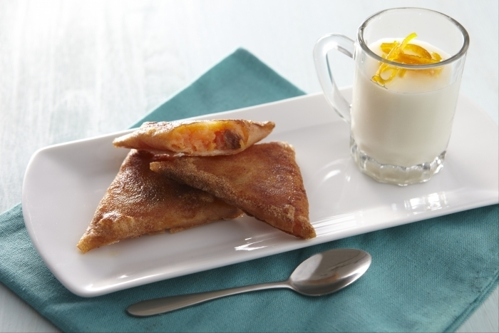 Recette de crème de lait à la fleur d'oranger, samoussas de patate ...
