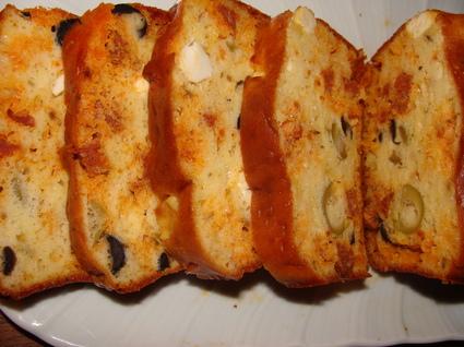 Recette de cake au chorizo, à la feta et aux olives