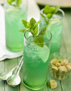 Cocktail au rhum et à la menthe pour 1 personne