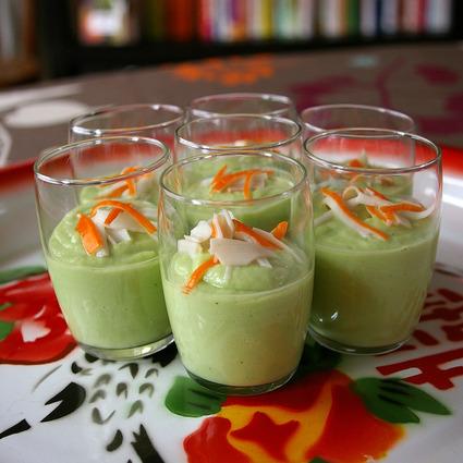 Recette de verrines de crème d'avocat au concombre