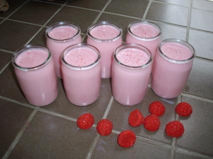 Recette yaourts maison aux fraises tagada