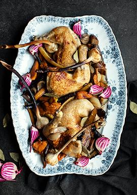 Poulet & légumes-racines à l'ail rôtis à l'huile d'olive