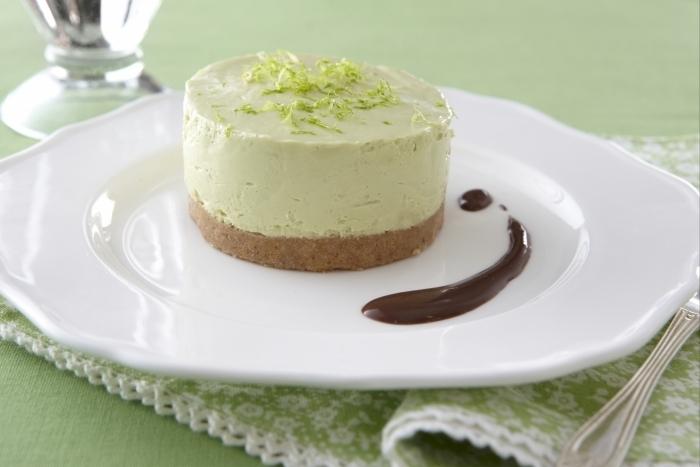 Recette de cheesecake avocat et coulis au chocolat facile et rapide