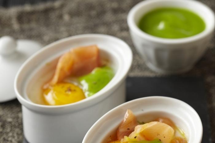 Recette de œuf cocotte, crème de brocoli et saumon fumé facile et ...