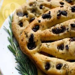 Recette fougasse aux olives et au romarin – toutes les recettes ...