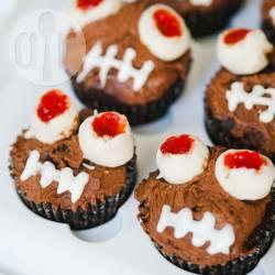 Recette cupcakes avec yeux en beurre de cacahuètes et chocolat ...