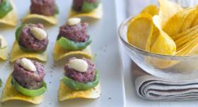 Mini tartares de boeuf aux amandes sur tuiles pour 6 personnes ...