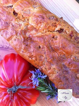 Recette de cake tomates séchées, romarin et mozzarella