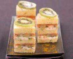 Recette minis sandwichs aux kiwis, saumon fumé et fromage frais