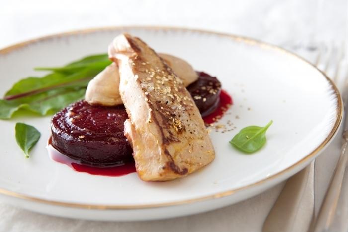 Recette de foie gras poêlé, betterave au cassis et poivre blanc de ...