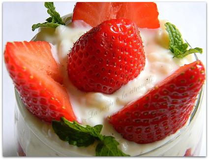 Recette de riz au lait à la vanille et compote de fraises