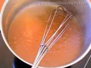 Lier au roux blanc  fiche recette avec photos  meilleurduchef.com