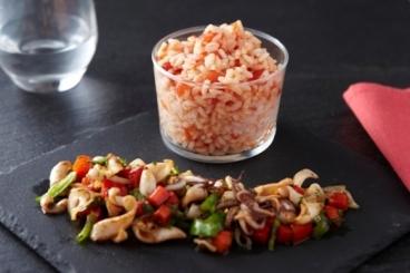Recette de calamars sautés et riz à la tomate facile et rapide