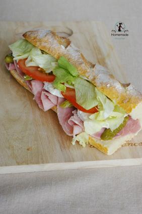 Recette de sandwich jambon chèvre crudités