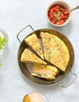 Gâteau d'omelettes, salsa de tomates pour 8 personnes