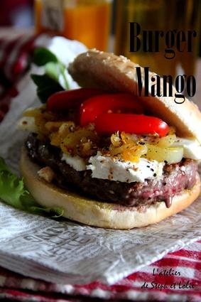 Recette de hamburger chèvre, oignons, tomates cerise assaisonné ...
