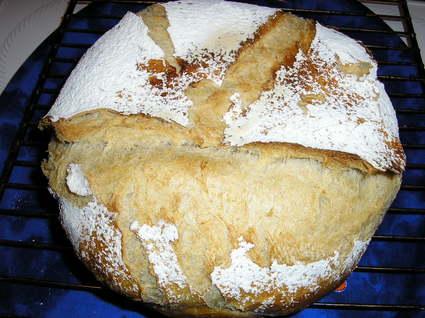 Recette de miche de pain de campagne en cocotte