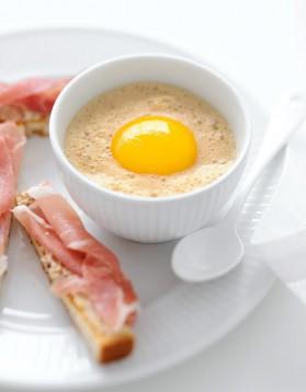 Œufs cocotte champignons-café de tabata bonardi pour 4 ...