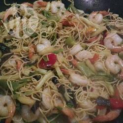 Recette wok de crevettes sautées aux légumes et pâtes chinoises ...