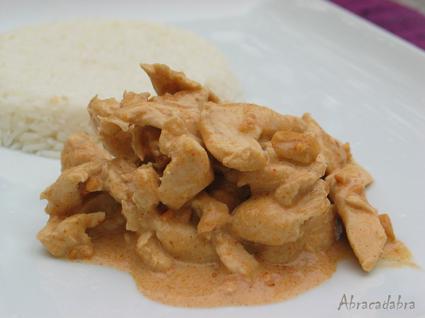 Recette de curry de poulet aux cacahuètes et riz noix de coco