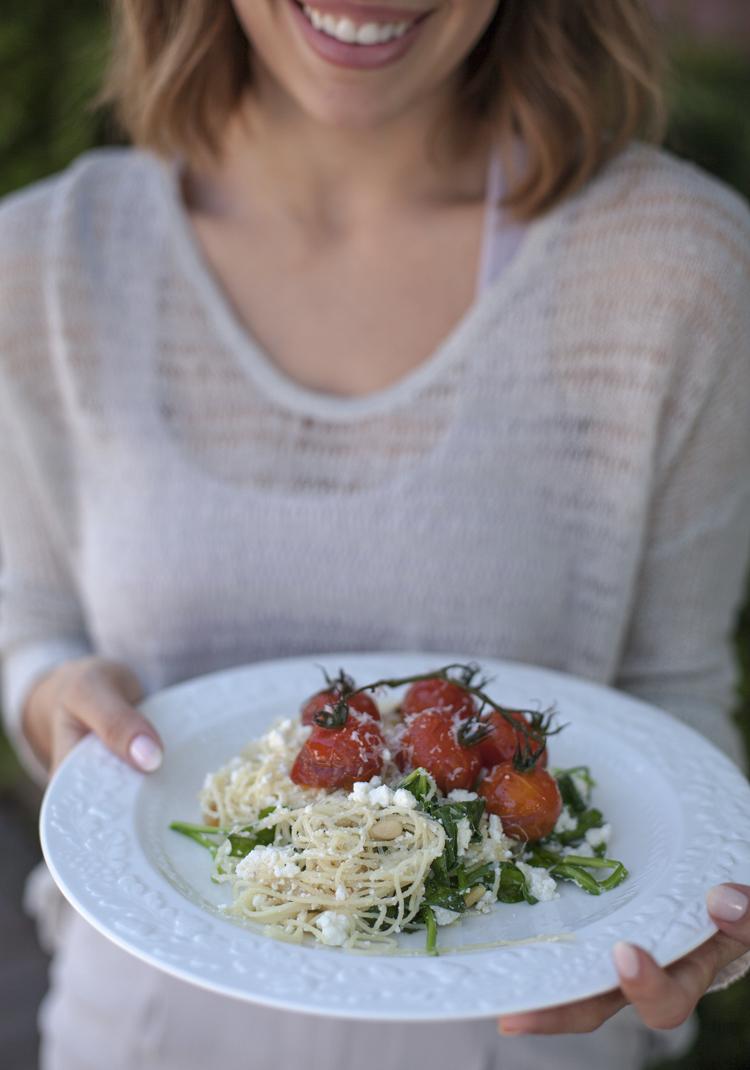 Cheveux d'ange à la ricotta, tomates au balsamique, épinards ...