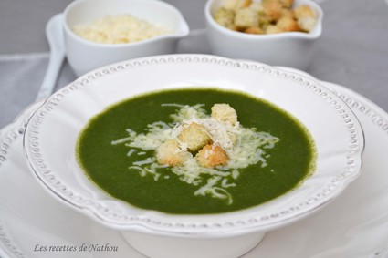 Recette de soupe aux épinards et au parmesan