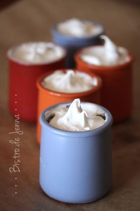 Recette de petits pots de crème à la vanille sous meringue italienne ...