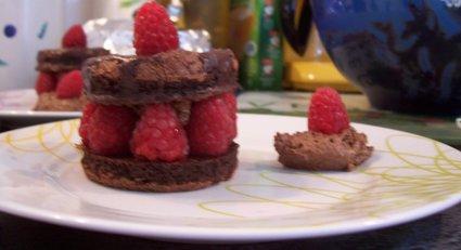 Recette de petits gâteaux choco-mousse-framboises