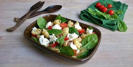 Recette de salade de gnocchi, pousses d'épinards et brousse