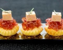 Recette toasts feuilletés au confit d'oignons et foie gras