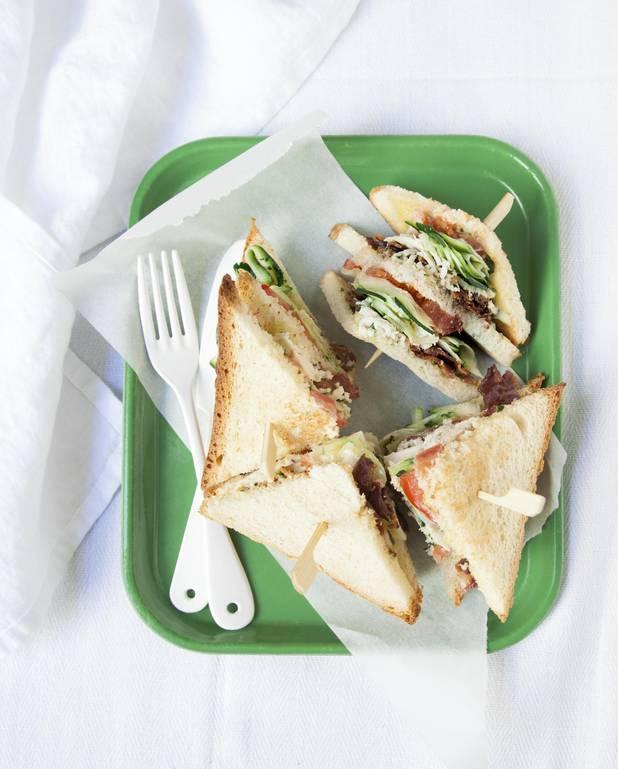 Club-sandwich courgette-basilic pour 2 personnes