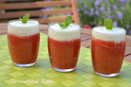 Recette de soupe de fraises et yaourt à la menthe