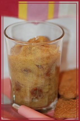 Recette de compote de rhubarbe épicée et raisins secs