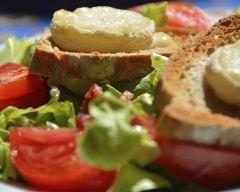 Recette salade au chèvre chaud facile