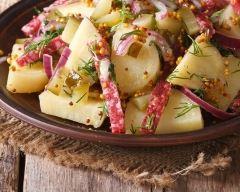 Recette salade de pommes de terre aux lardons et moutarde à l ...