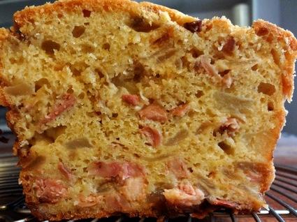 Recette de cake andouillette, pommes et oignons