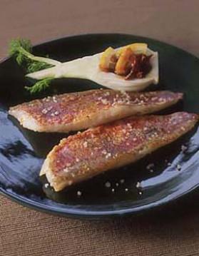 Filets de rouget grillés au sel pour 4 personnes