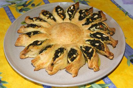 Recette de tarte soleil aux épinards, feta et pignon