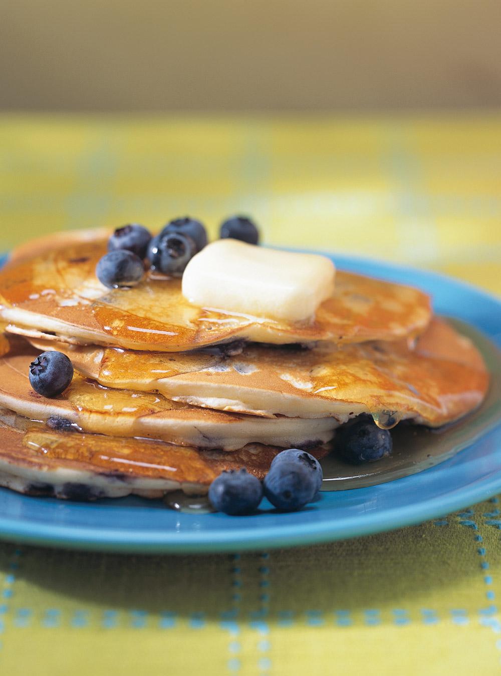 Crêpes américaines aux bleuets (pancakes aux bleuets) | ricardo