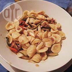 Recette pâtes aux encornets en julienne de courgettes – toutes les ...