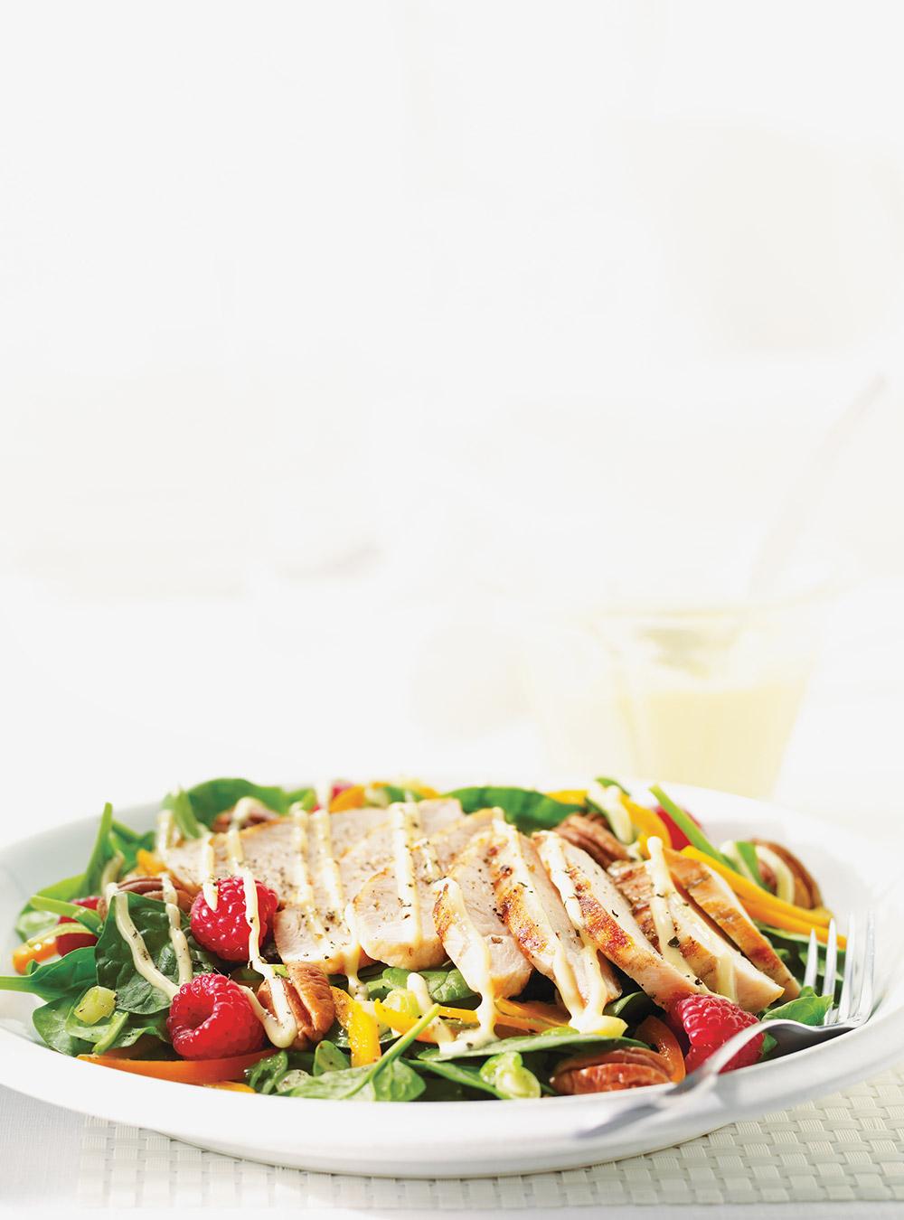 Salade californienne au poulet | ricardo