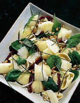 Lumaconi aux épinards et tomates pour 4 personnes