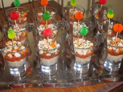 Recette de verrines de thon, tomates et surimi